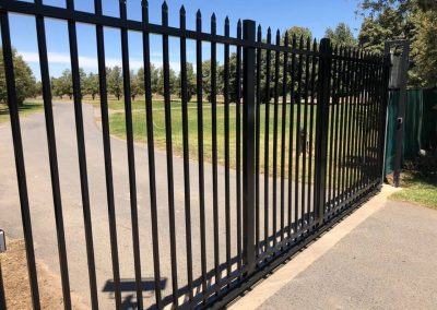 powder coated fencing04
