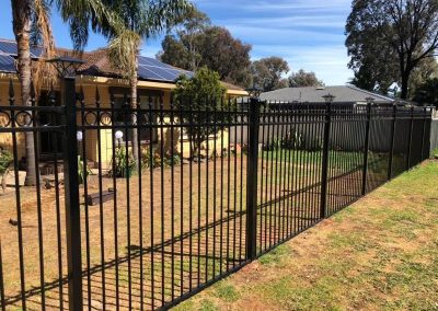 powder coated fencing05