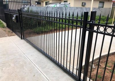 powder coated fencing07