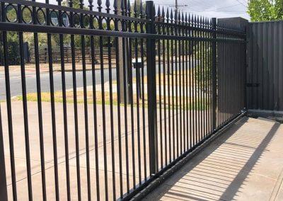 powder coated fencing09